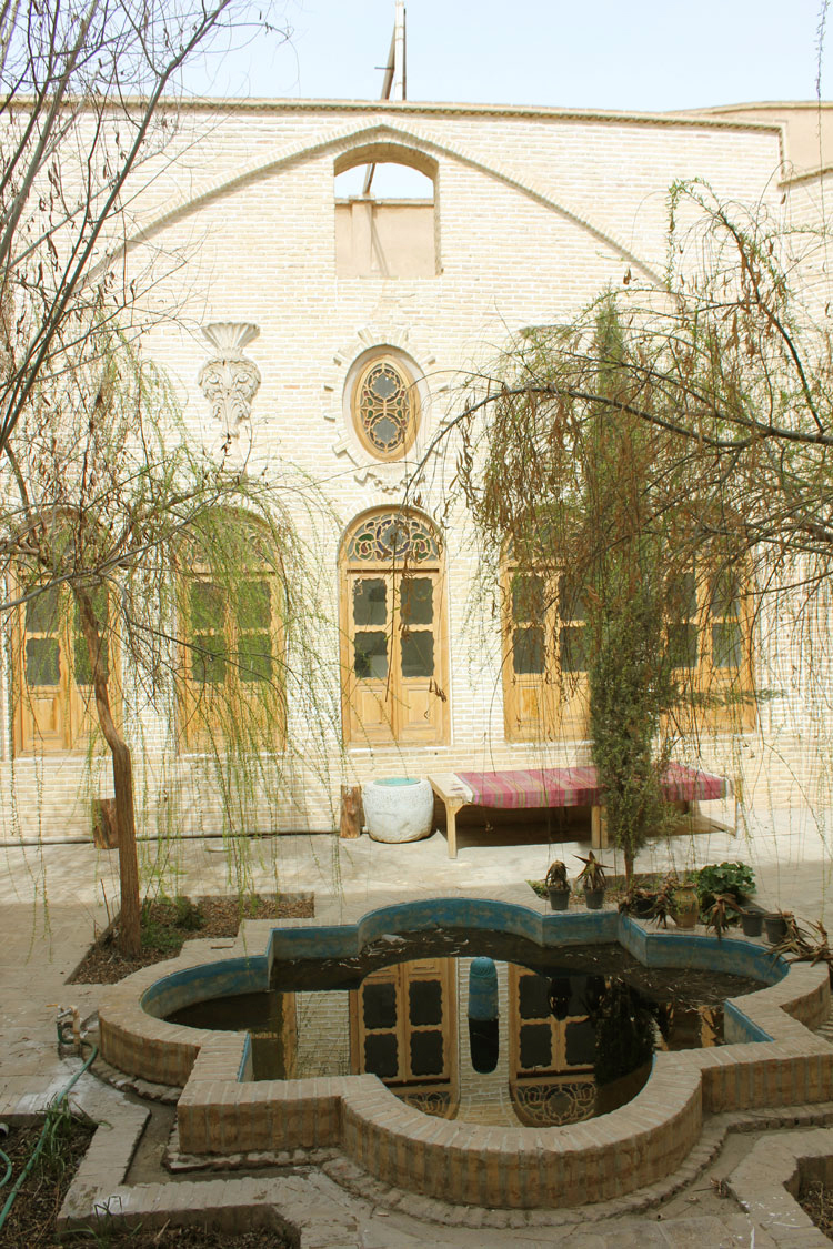 عمارت بانک شاهی یزد