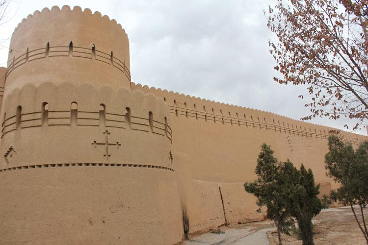 برج و باروی یزد