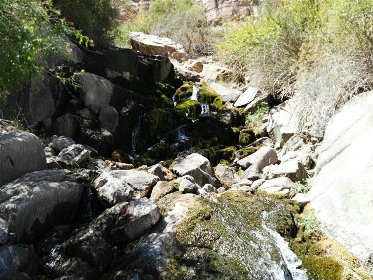 آبشار دره گاهان یزد