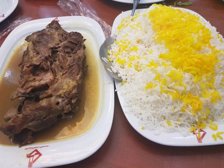 شکم گردی در رستوران های یزد