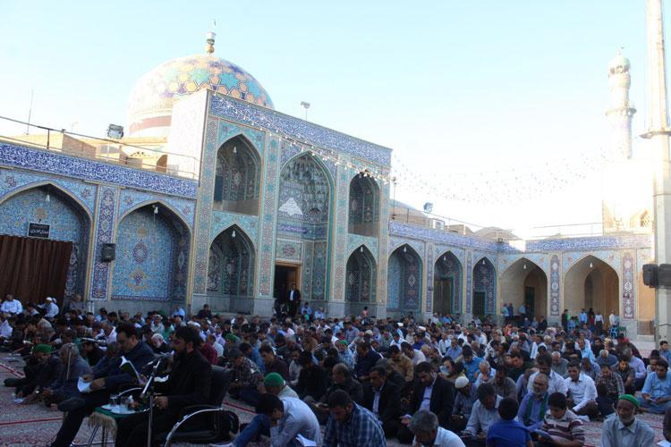 صحن امامزاده عبدالله بافق
