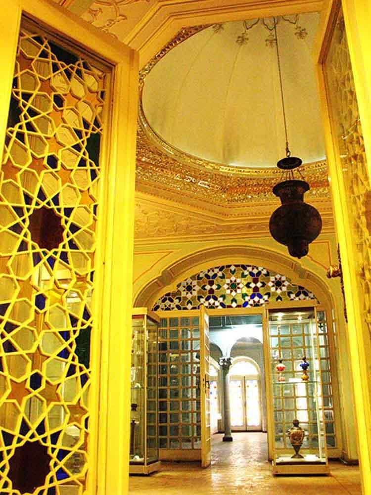 موزه آیینه و روشنایی