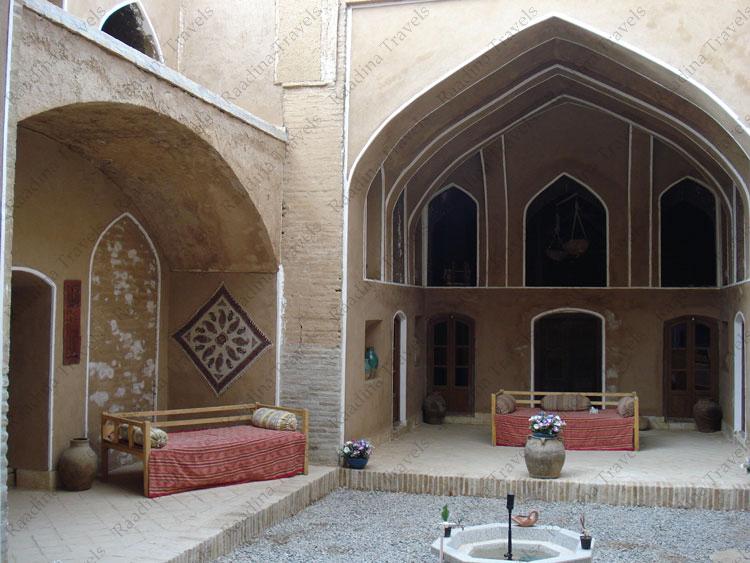 خانه خالو میرزا عقدا