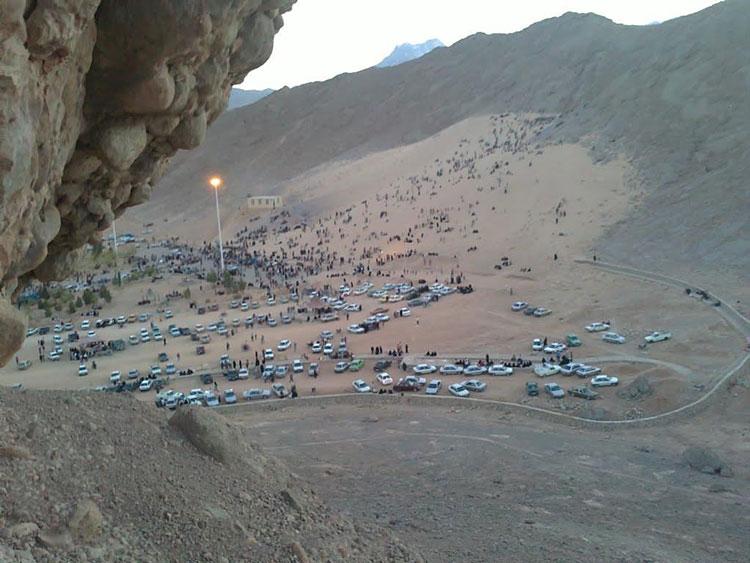 نمای کلی کوه ریگ مهریز