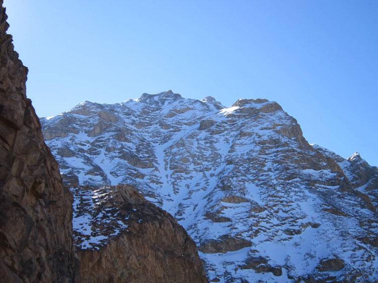 کوه ارنان مهریز در زمستان