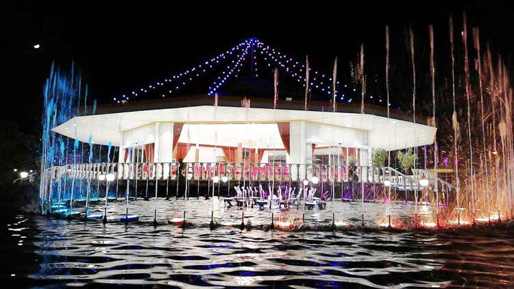 باغ رستوران میلاد نور یزد