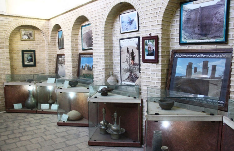 آثار موزه آب یزد (خانه کلاهدوزها)
