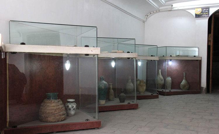 ظروف سفالی موزه آب یزد (خانه کلاهدوزها)