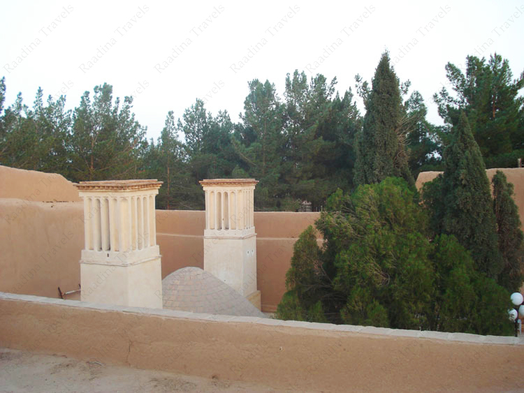 بادگیرهای آب انبار قلعه اسدان (ستی پیر)