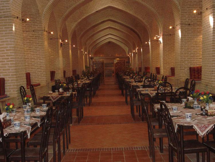 رستوران سنتی هتل داد
