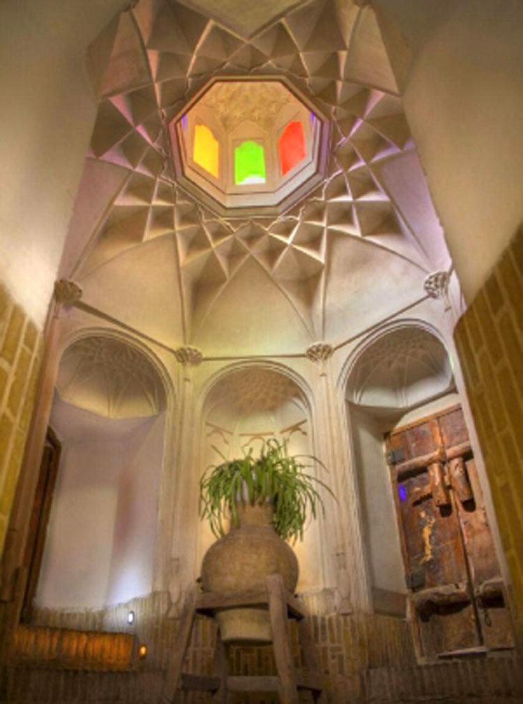 خانه دکتر حجت یزد (هتل والی یزد)