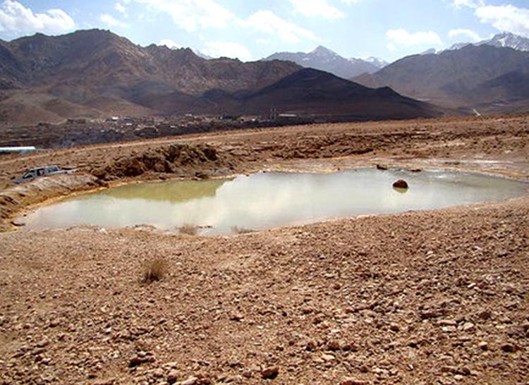 چشمه آب قل اشکذر