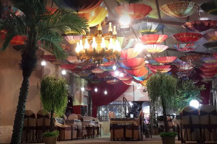 باغ تالار لوشاتو یزد