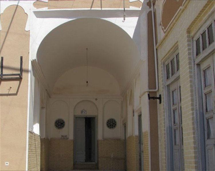 ورودی عمارت ریسمانیان یزد
