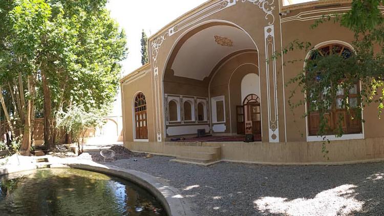 باغ خوشنویس مهریز