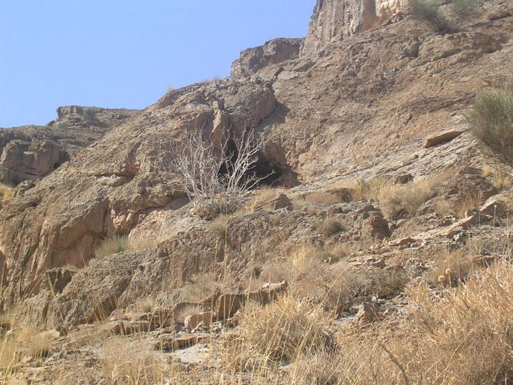 غار سیخوران مهریز