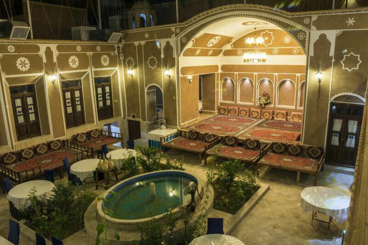رستوران سنتی فیروزه یزد