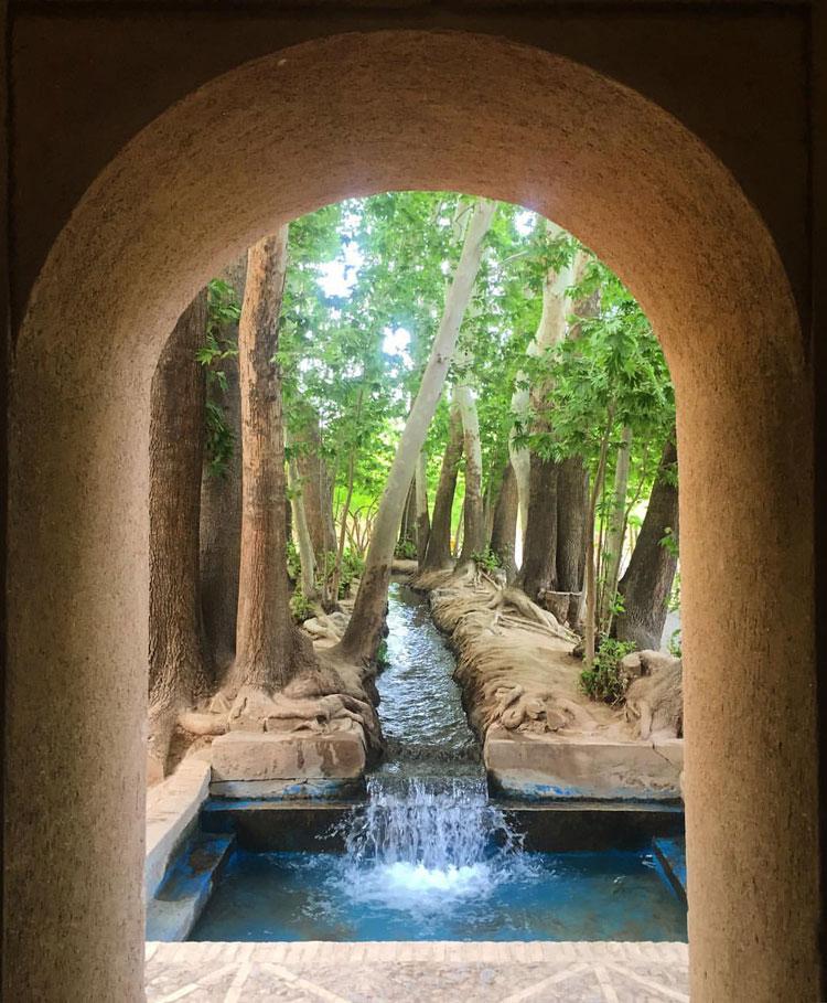 Mehriz Pahvalanpour Garden