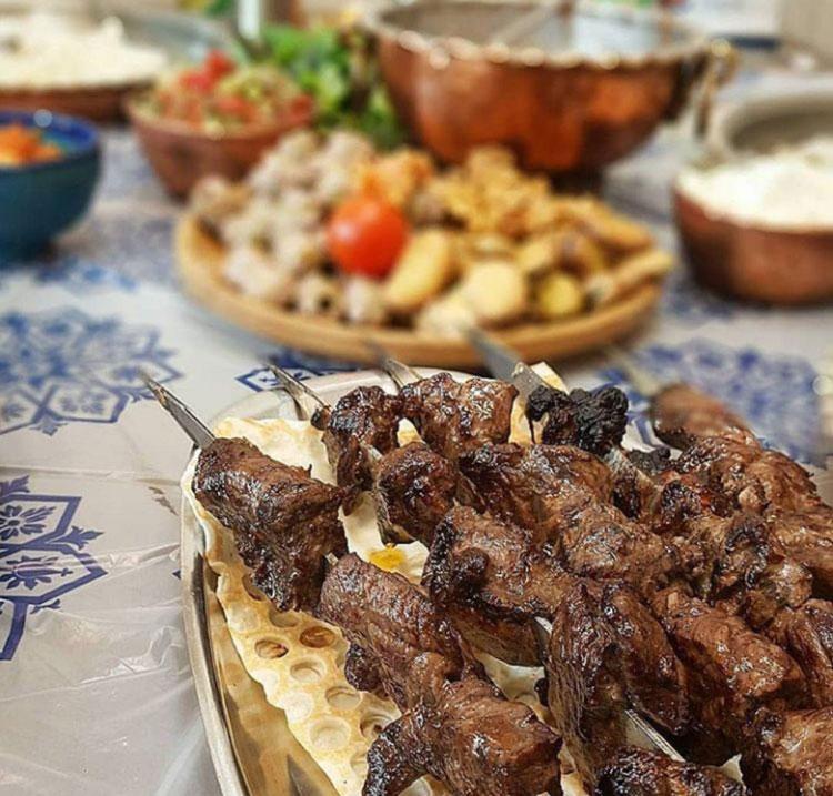 رستوران طلایی سادات اخوی