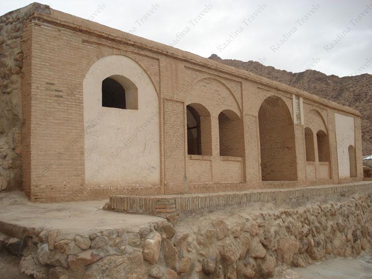 زیارتگاه پارس بانو