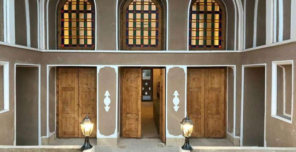اقامتگاه قلعه وزیر رکن آباد میبد
