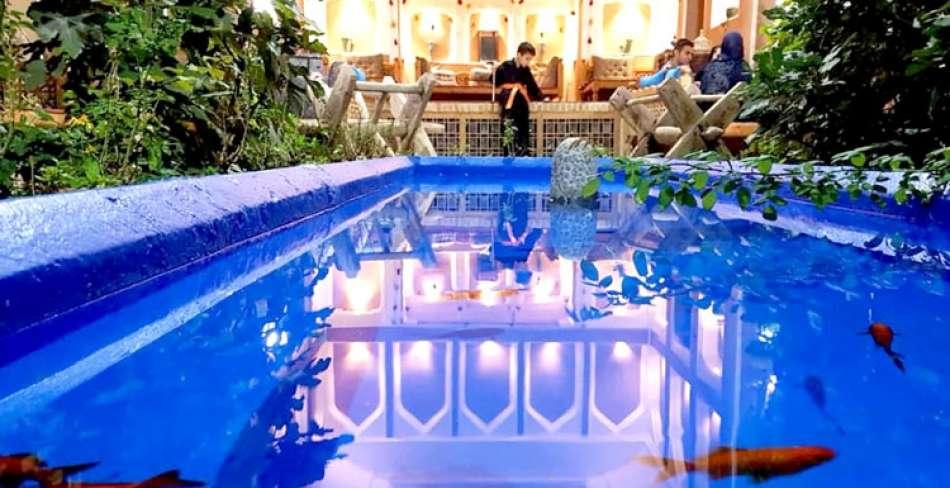 اقامتگاه سنتی توریستی وکیل الرعایا یزد