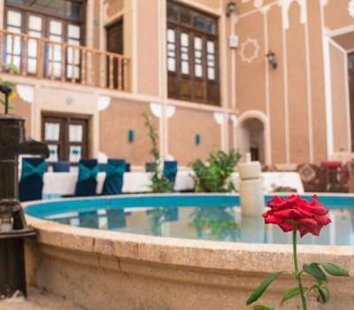 Firoozeh Traditional Hotel
