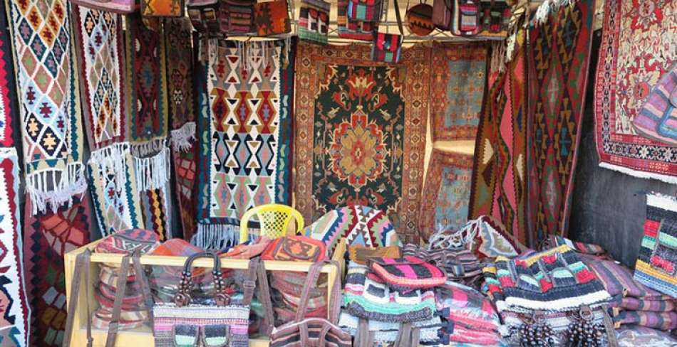 بازارچه عیدانه صنایع دستی
