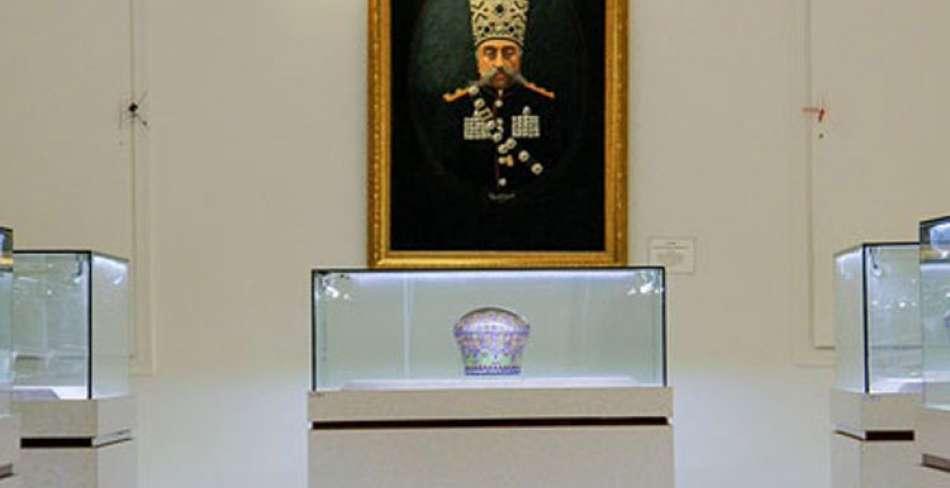 افتتاح نمایشگاه امپراطوری « گل سرخ »