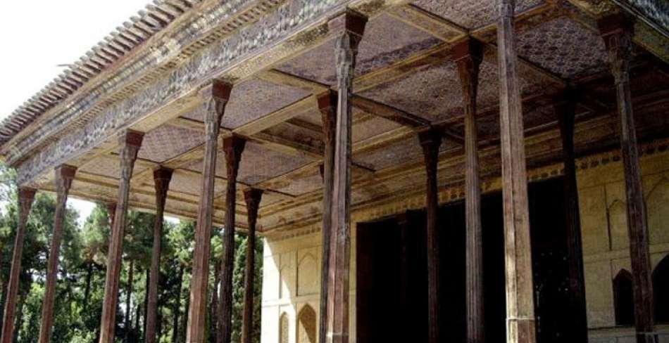 بخشهای مختلف عمارت چهلستون در اصفهان مرمت شد