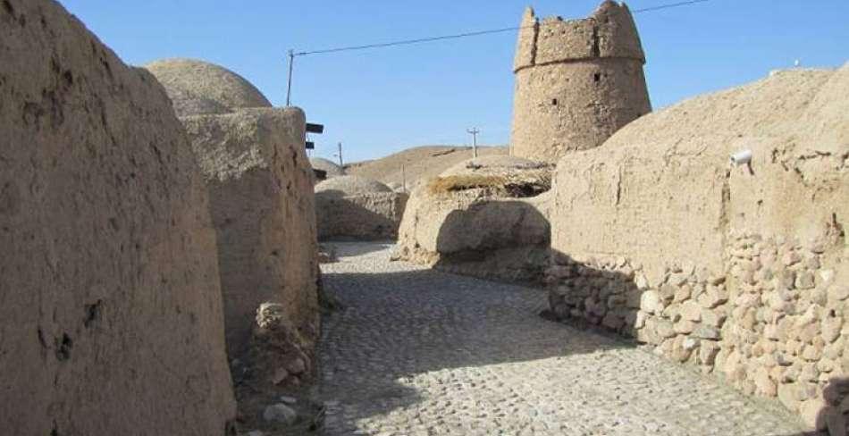 فرو ریختن «برج گزک» در کرمان بر اثر زلزله