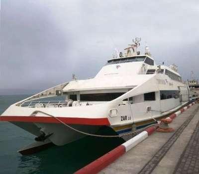 نخستین کشتی گردشگری ایرانی در کیش