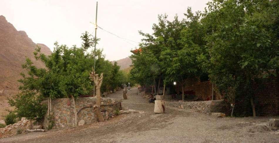 مجتمع تفریحی و گردشگری چشمه بوز (bowz)