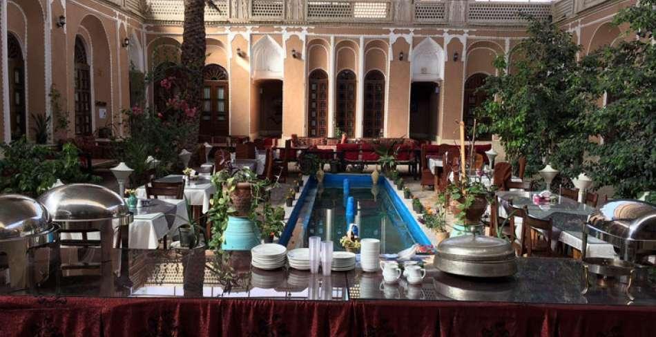 رستوران سنتی ادیب الممالک یزد