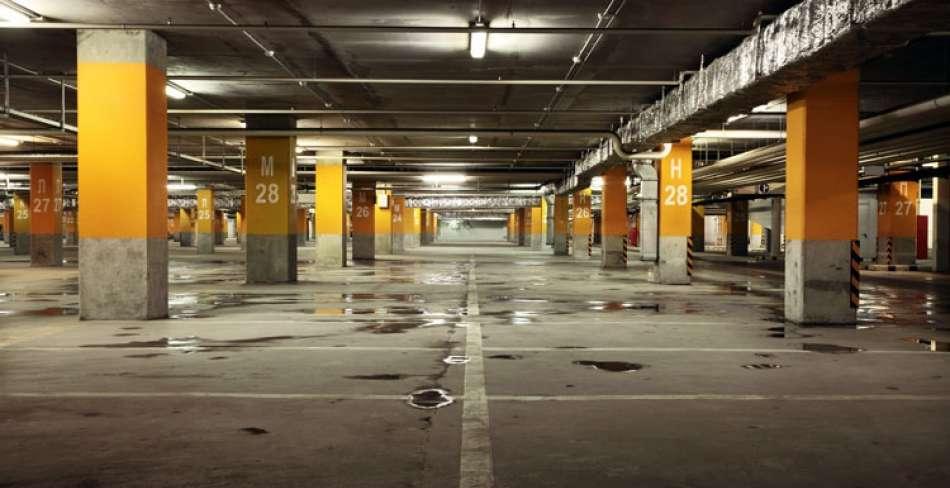 پارکینگ کوچه شهید بکایی هتل مظفر یزد