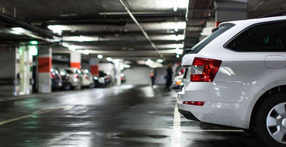 پارکینگ جنب بیمارستان گودرز یزد