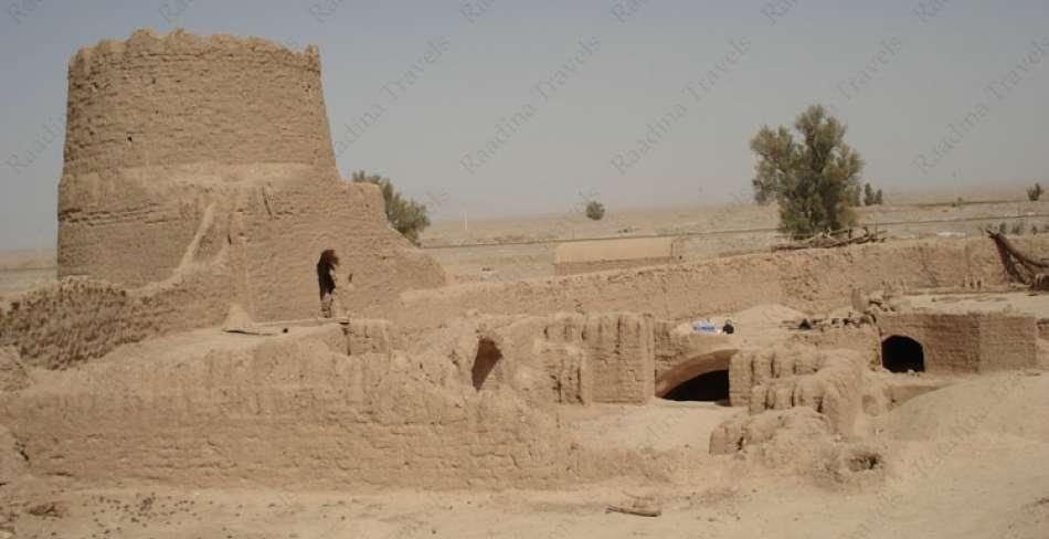 قلعه باقر آباد بافق
