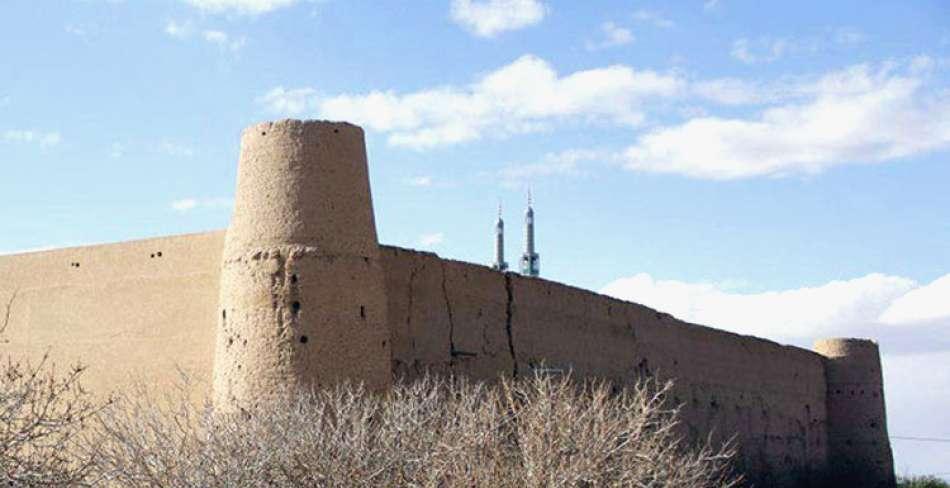 قلعه بارجین میبد