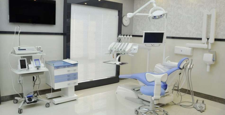 کلینیک دندانپزشکی یادگاران