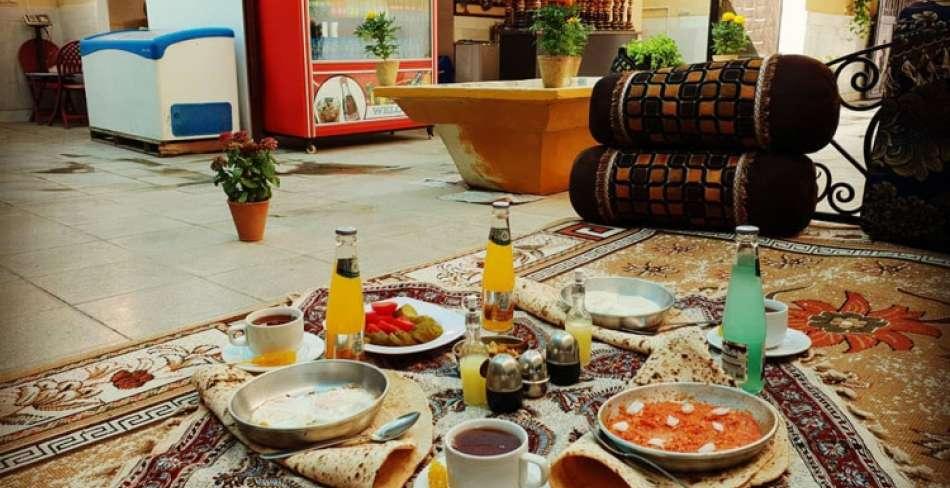 صبحانه سرای دلنشین یزد