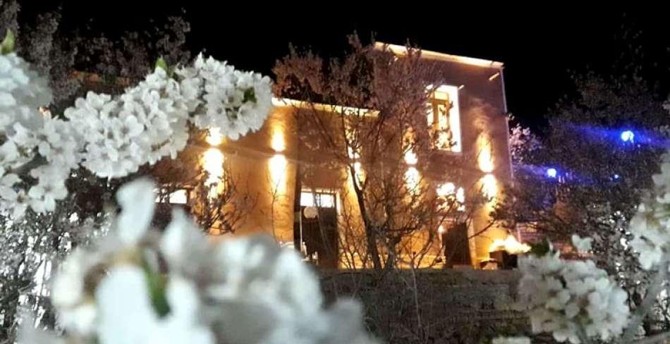 سفره خانه سنتی پالیزا مهریز