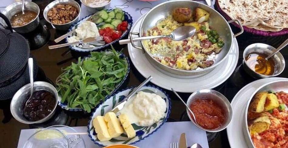 صبحانه خوری یزد